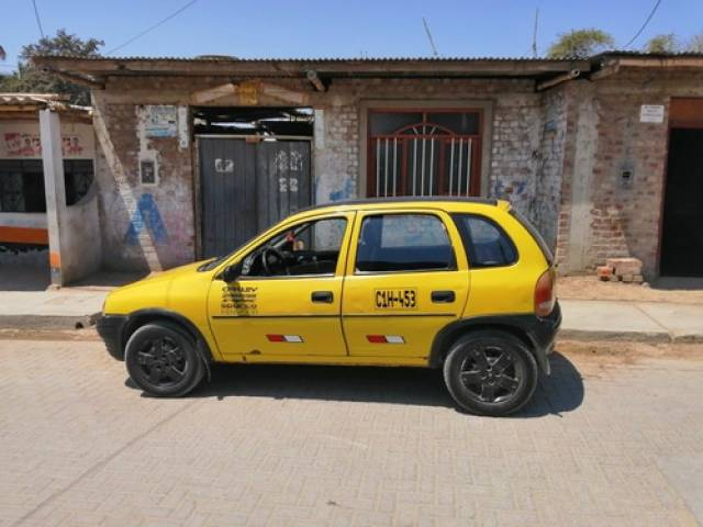 Chevrolet Corsa 1996 1997 560.000 kilómetros $6.500