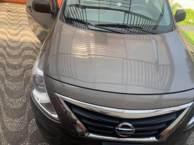 Nissan NISSAN VERSA Sedan Sedán automático Lima